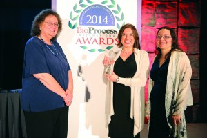 Ann Lazic and Nicole Ford accepting for NanoTemper Technologies