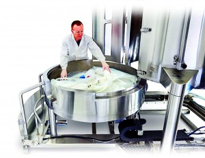 Photo 1: The Mobius 2,000-L single-use bioreactor from EMD/Merck Millipore is one company's response to user needs for safe and ergonomic handling of large singleuse bags. (WWW.EMDMILLIPORE.COM/US/ EN/20150603_201512)